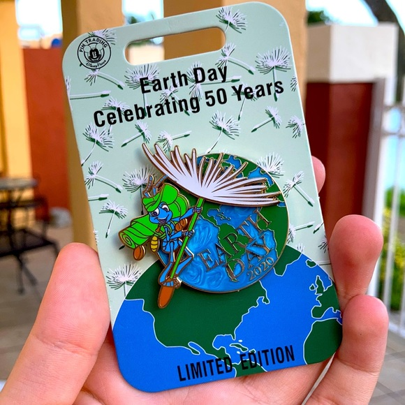DISNEY PARKS EARTH DAY 2020 A BUG'S LIFE LE PIN